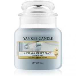 Yankee Candle A Calm & Quiet Place vonná svíčka 104 g Classic malá