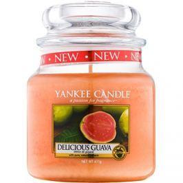Yankee Candle Delicious Guava vonná svíčka 411 g Classic střední